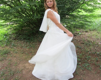 Late 40's Early 50's Wedding Dress White Shirred Bodice Full Length Elegant Vintage Wedding Dress