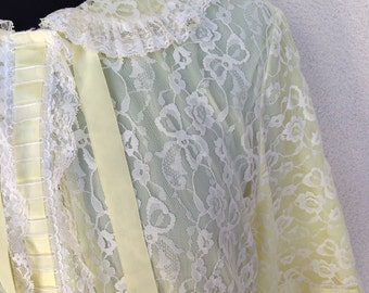 Vintage Odette Barsa lace white and yellow robe  1960 era lingere sz S M