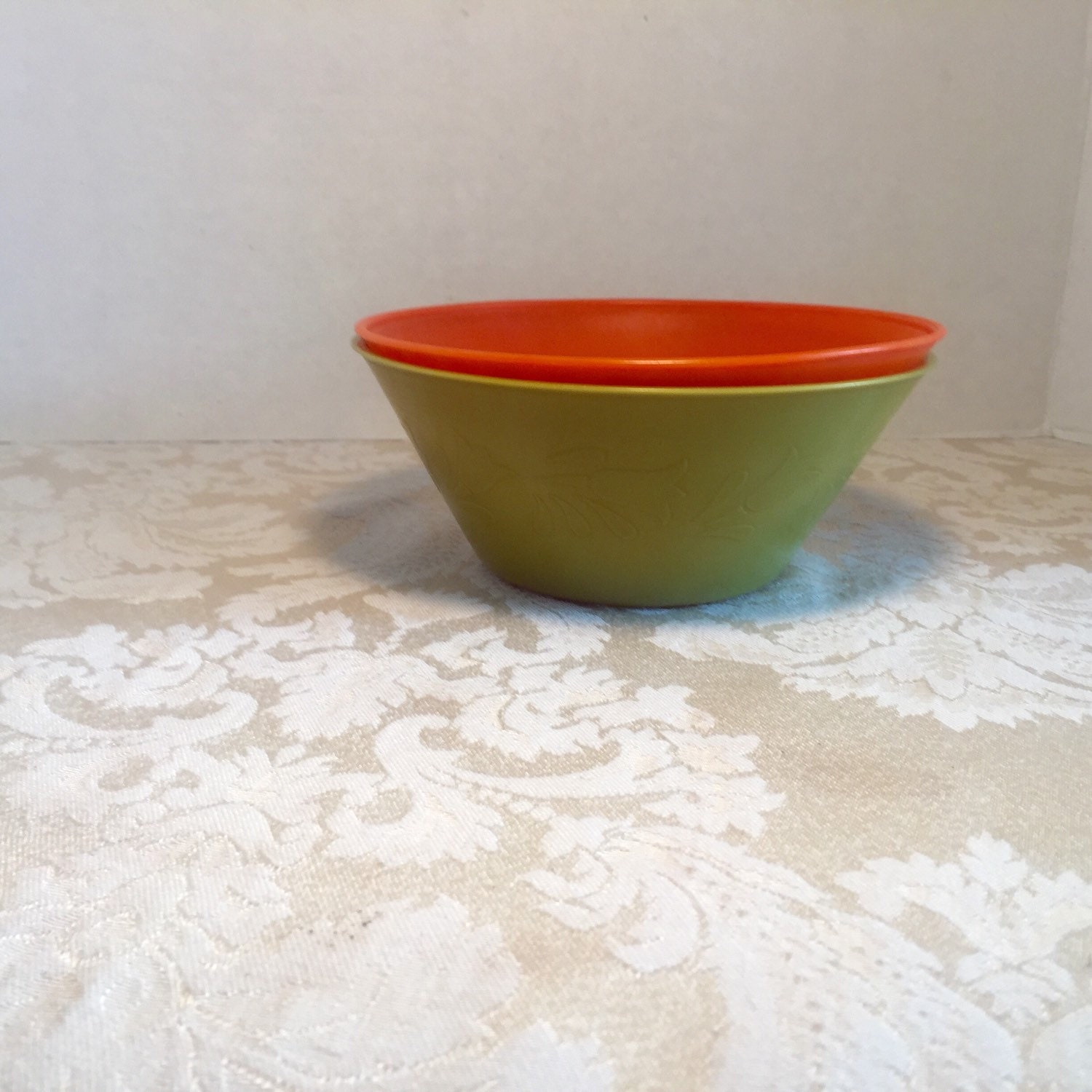 Plastic cereal bowl