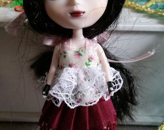 Beautiful little pleated skirt, underslip and gorgeous little top for Petite Pullip