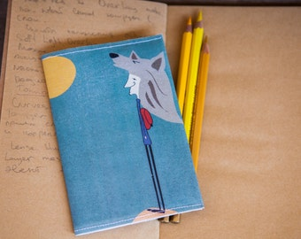 """Passport Cover """"Howling at the Moon"""""""