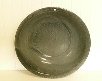 NICE Primitive Gray Graniteware Bowl Wash Basin, Enamelware Farmhouse Kitchen, Bath - Vintage Home and Travel Trailer Decor