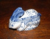 Asian Blue & White Hand Painted Ceramic Rabbit Tiny Bowl with Lid
