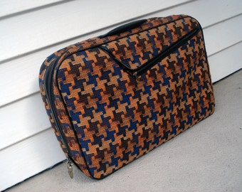 Small suitcase with a groovy houndstooth exterior - made in Japan