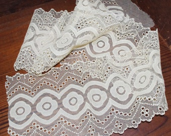 Vintage Trim / Lace: Ornate Wide Ivory Double Sided
