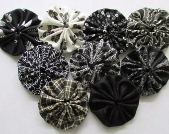 yo yo 30 1 1/2  inch assorted  Black and white fabric