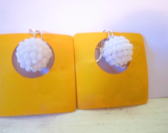 Mad for Mod Leverback Geometric Earrings in Yellow and White