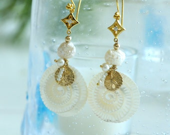 Nautilus pearl and gold earrings