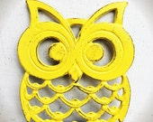 BOLD TRIVET bright sunny yellow  // ornate owl // rustic shabby chic // woodland bird kitchen decor // serving tray hand painted hot plate