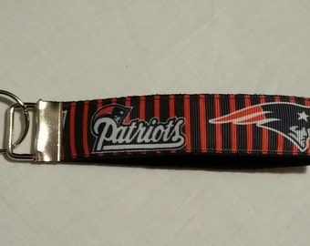 Handcrafted NFL New England Patriots Key Chain Wristlet NEW