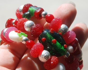 Holiday Memory Wire Bracelet with Glass and Lampworked Beads