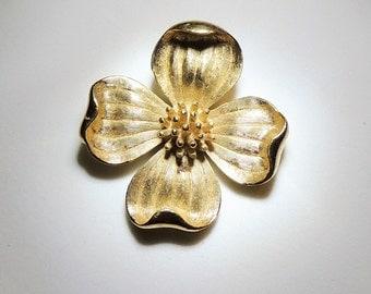 Trifari Bloom Pendant