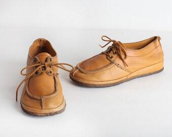 Size 5 Vintage Tan Leather Wallabies