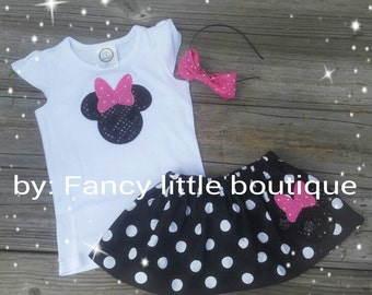 Classic Minnie Mouse outfit