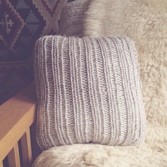 Chunky Knit Pillow Pattern : Chunky Knit Throw Pillow