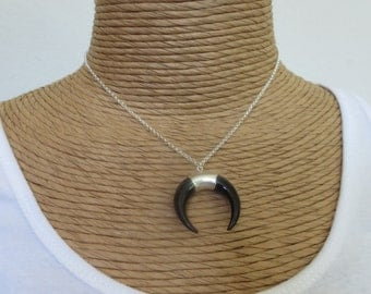 Double horn necklace, horn pendant necklace, crescent horn necklace, white horn necklace, black horn necklace