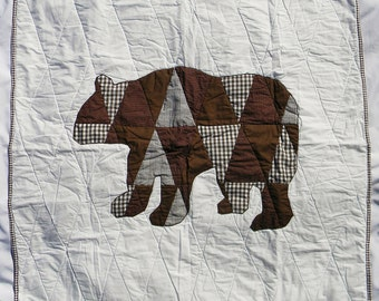 Grizzly Bear - Montana - Alaska - California - Homemade baby boy crib quilt - Brown bedding item - Modern