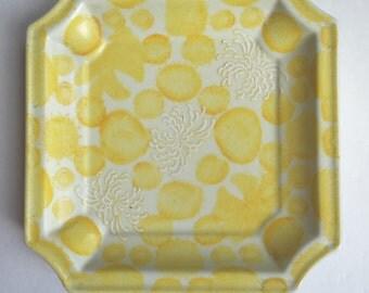 Vintage Yellow Chinoiserie Chrysanthemum Decorative Plate