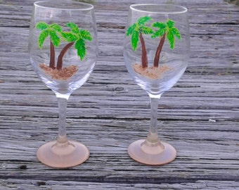 Palm tree wine glasses, Set of two hand painted palm tree wine glasses, tropical decor, tropical wine set, party glasses