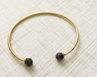 Black Pearl Gold Simple Cuff Adjustable Bracelet
