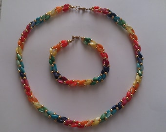 vintage rainbow dyed mother of pearl necklace and bracelet set
