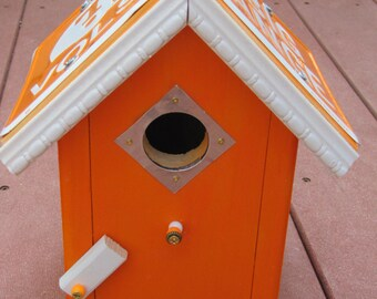 License Plate Collegiate Birdhouse - Bird House - Tennessee Volunteers- Bird House - Team bird house