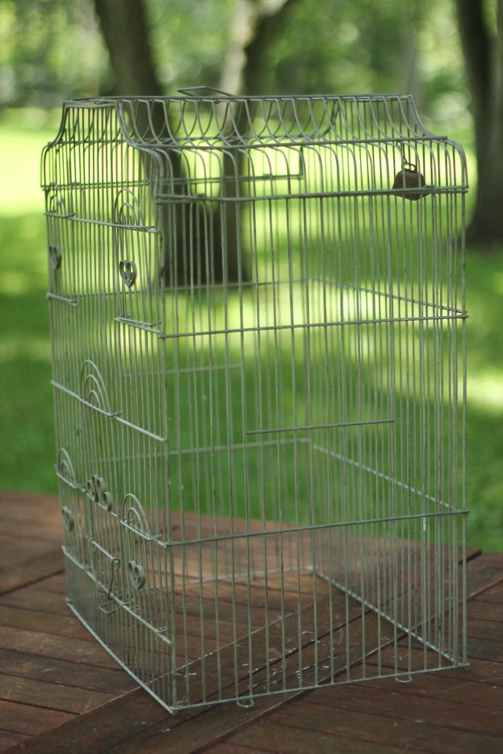 vintage bird cage large metal cage wire bird by wildboardesigns. Black Bedroom Furniture Sets. Home Design Ideas