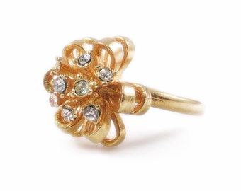 Rhinestone and Gold Flower Ring - Size 8.5