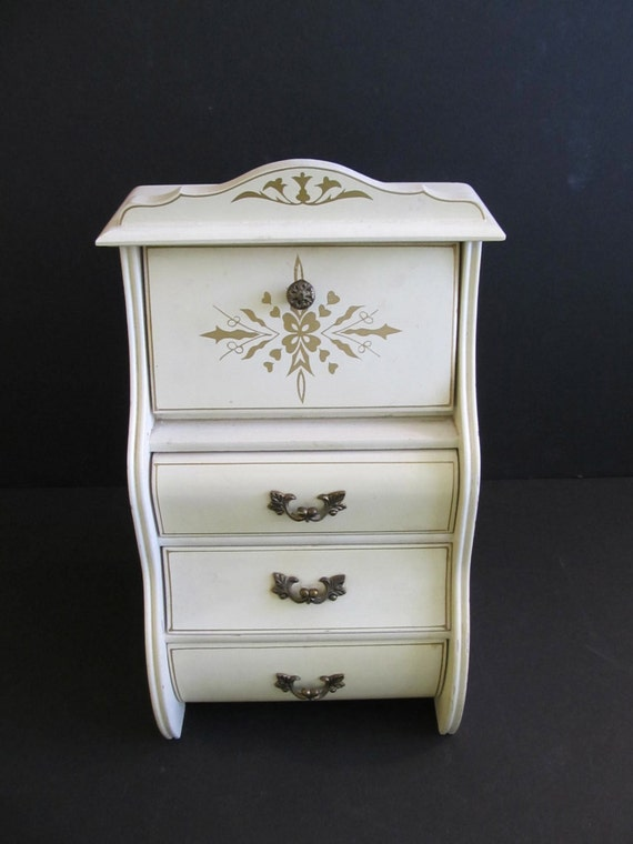 jewelry box wooden jewelry box jewelry chest chest of drawers. Black Bedroom Furniture Sets. Home Design Ideas