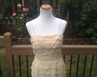 40's 50's Cream ruffled Lace Dress // 8 // 10 // Wedding Shift Dress
