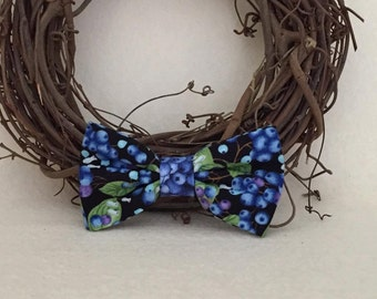 Dog Bow / Bow Tie - Blueberries