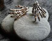 Kreach Skeleton Hands Cufflinks Unisex