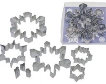 8 Piece Snowflake Cookie Cutter Set  SNOWFLAKES