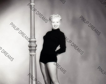 """Betty Grable Vintage Retro Photo Wall Art Print of Hollywood Movie Stars size A4 (11.7"""" x 8.3"""")"""