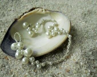 Sea Foam Pearl Bracelet (Sand)
