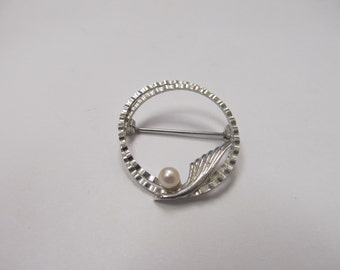 Vintage Sterling Silver Cultured Pearl Pin Item W # 487