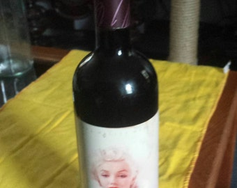"Vintage 1995 MARILYN MONROE ""MERLOT"" collectible bottle sealed"