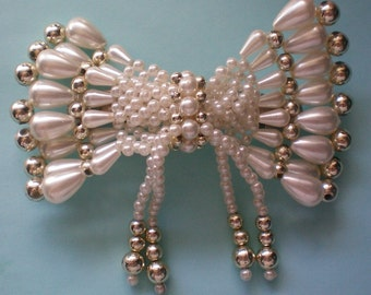 Large Faux Pearl Hair Ornament - 4032