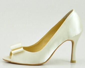 Ivory Satin Wedding Shoes with Bow, Ivory Satin with Bow Bridal Shoes, White Ivory Wedding Shoes, Ivory Satin Bridesmaid Shoes with Bow