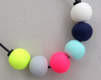 The neons necklace