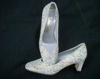 Pretty UK FLORALS on Faux Ultra Suede Shoes Size 3 & 1/2 Euro which looks like size 6 narrow USA