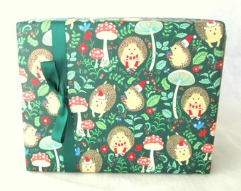 Hedgehog Christmas Wrapping Paper, Holiday Gift Wrap 10 ft x 2 ft. / 3.048 m. x .60 m. Roll, Children's Wrapping Paper