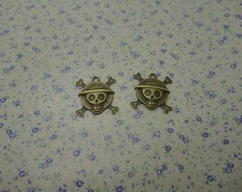 10 pcs of antique bronze color metal ONE PIECE crossbone pirate skull pendant charm , 28*27mm , MP660