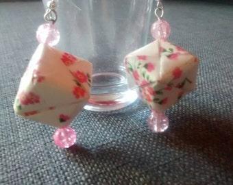 Earrings origami paper cube