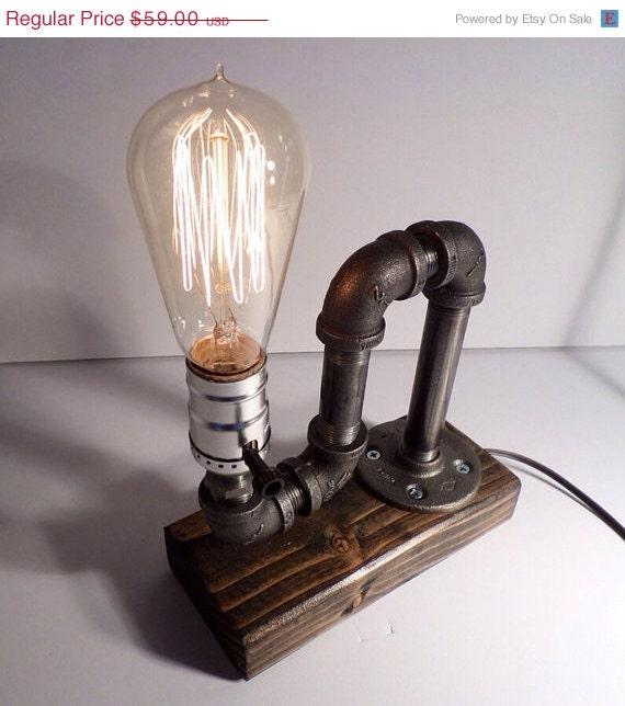 Sur Vente Industriel Lampe Tube Table Par Urbanindustrialcraft