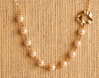 Simple necklace White glass pearls necklace with elements of gold filled
