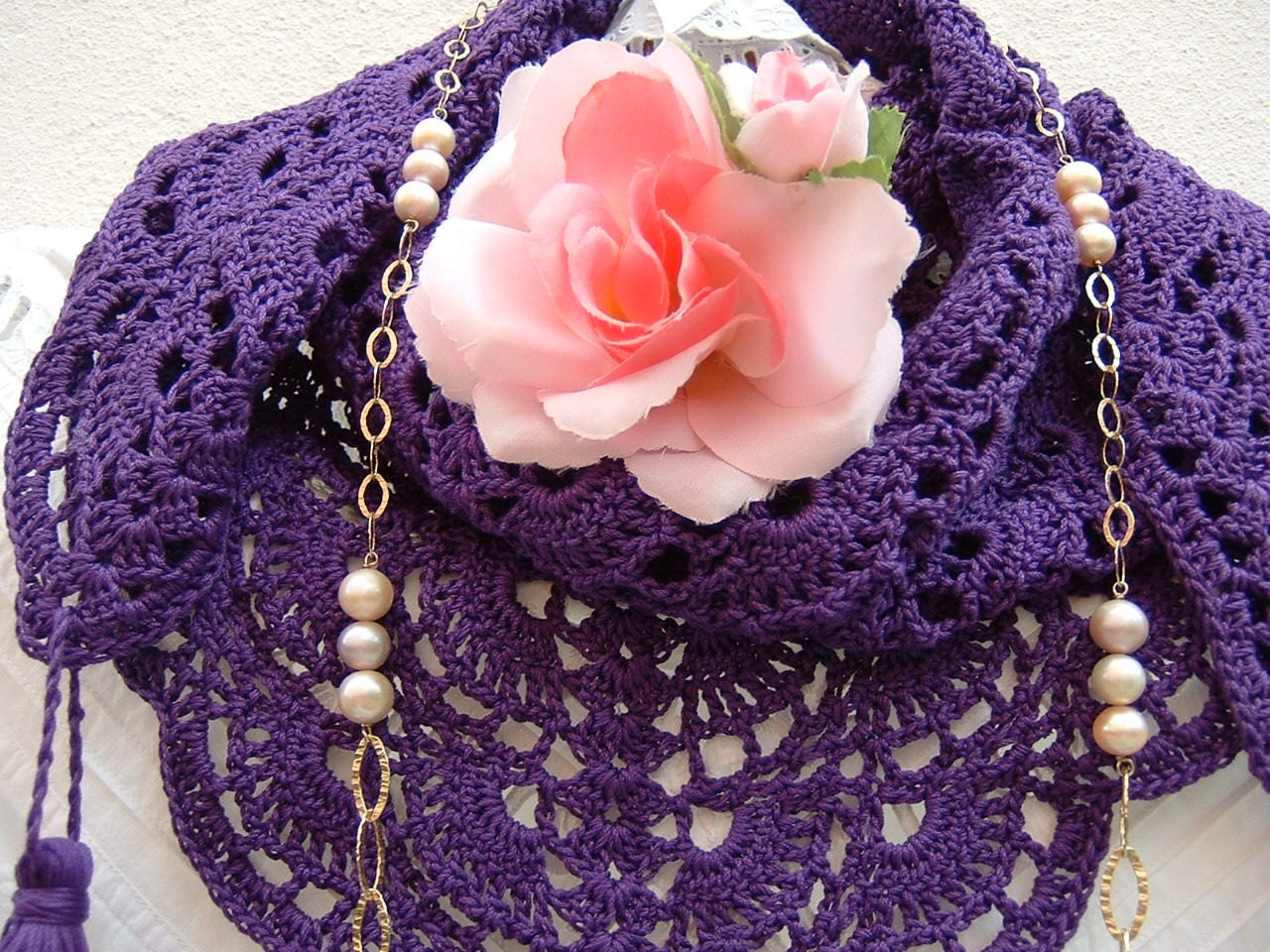 ethno chic style lace scarf handmade in purple cotton crochet with tassels women 39 s fashion. Black Bedroom Furniture Sets. Home Design Ideas