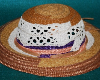 Vintage  STRAW HAT Made in Italy Tan, Beige, White