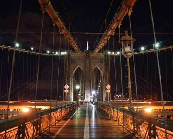 how to walk the brooklyn bridge at night