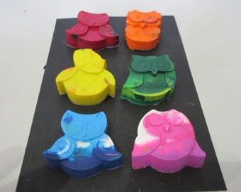 Set of 6 Owl Shaped Crayola Crayons